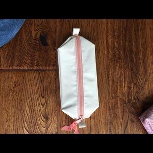Handbags - ⭐️NEW cosmetic/pencil case